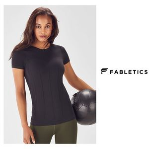 New Fabletics Delta black s-s seamless Tee L